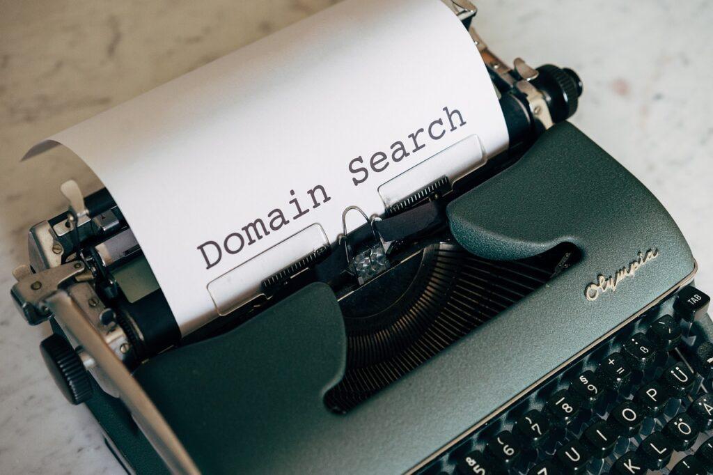 Amateur blogger should use Customer Domains